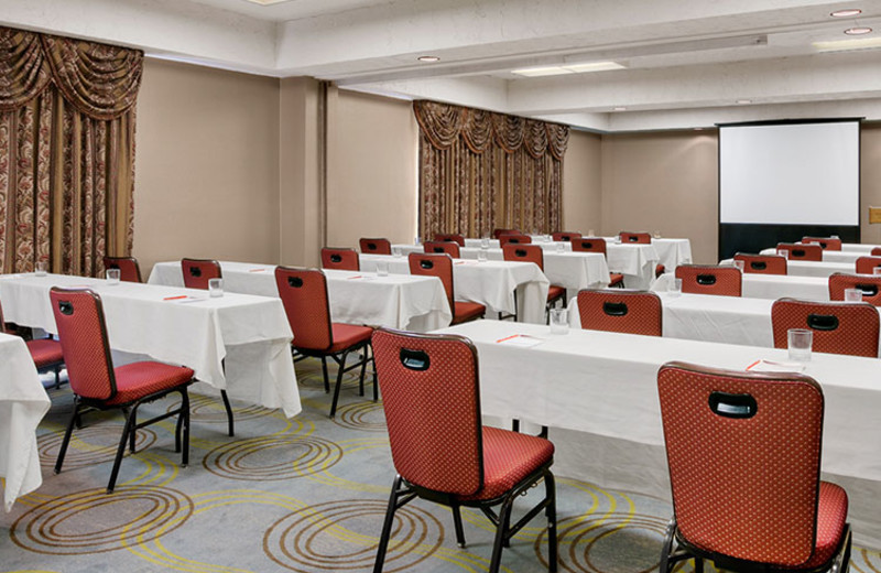 Meeting Room at Crowne Plaza Columbus North - Worthington
