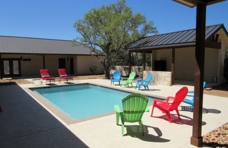 Outdoor pool at Frio River Vacation Rentals.