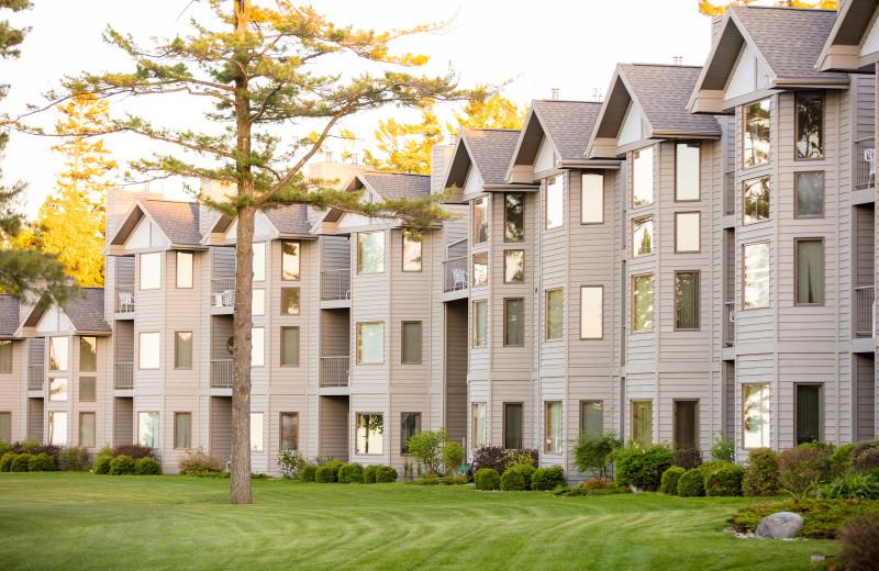 Exterior view of Glidden Lodge Beach Resort.