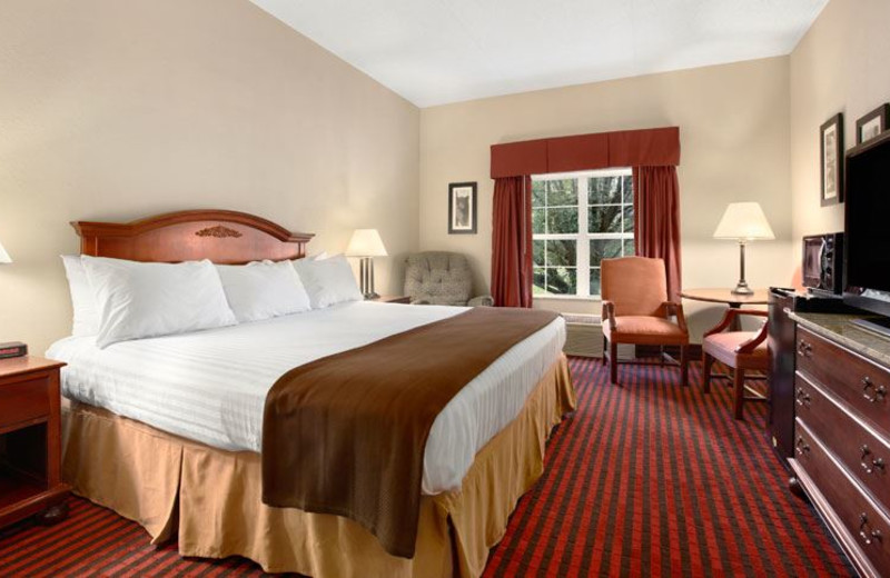 Guest Room at Ramada Pigeon Forge North