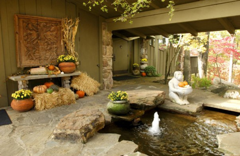 Breezeway fountain at Red Apple Inn & Country Club.
