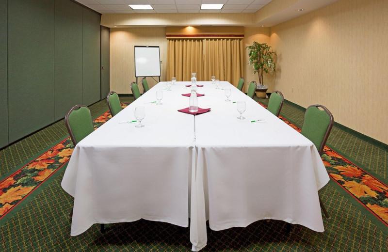 Meeting room at Holiday Inn Minneapolis.