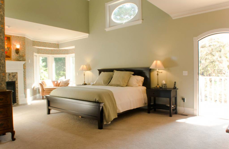 Rental bedroom at Sonoma County Vacations.