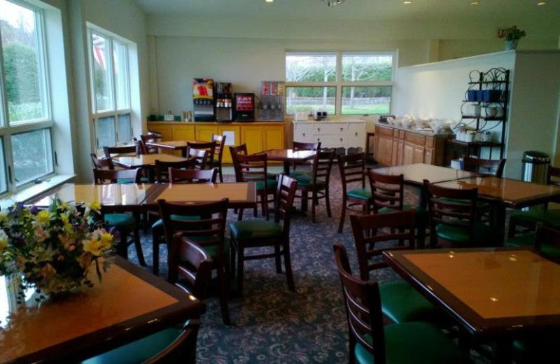 Dining room at Bar Harbor Motel.