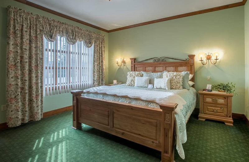 Guest room at Stroudsmoor Country Inn.