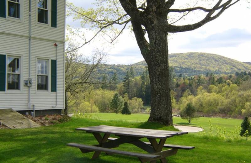 Exterior view of Three Stallion Inn.