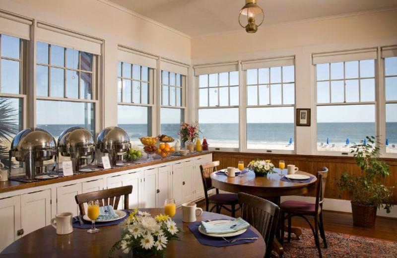 Kitchen Area at Elizabeth Pointe Lodge