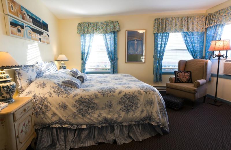 Guest room at San Anselmo Inn.