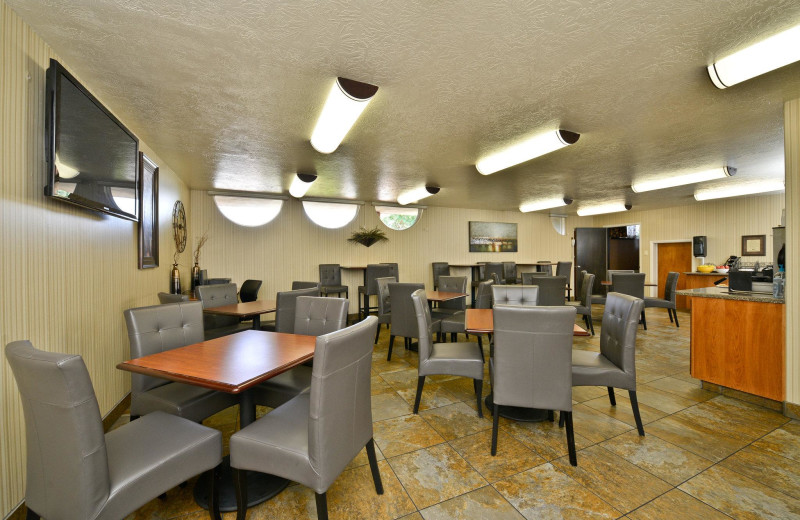 Dining at Best Western Coral Hills.