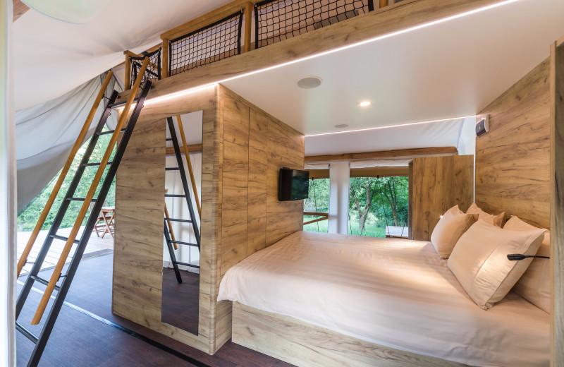 Beds at Chateau Ramšak Glamping Resort.