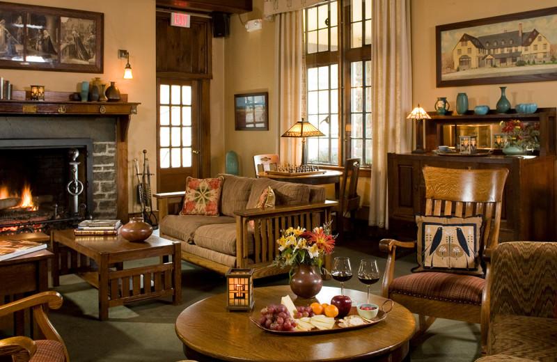 Living room at The Settlers Inn.