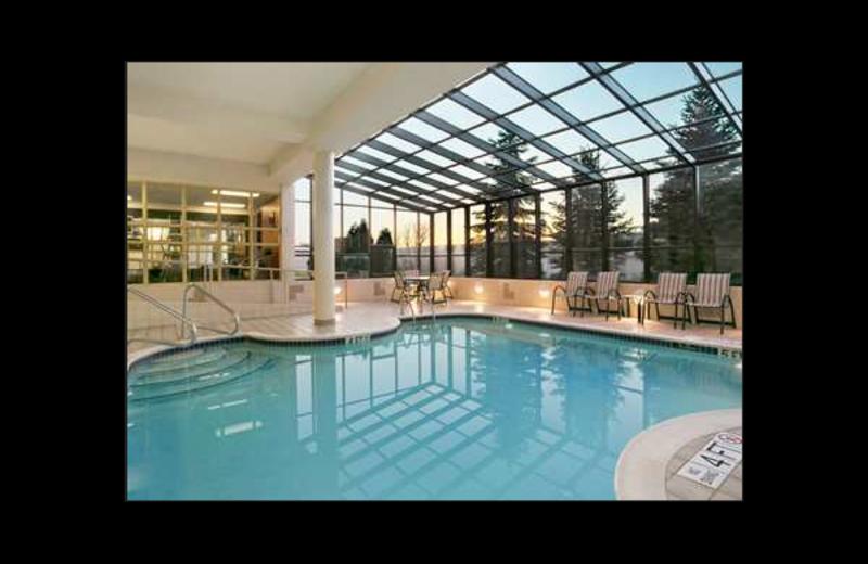 Indoor pool at Hampton Inn Erie-South.