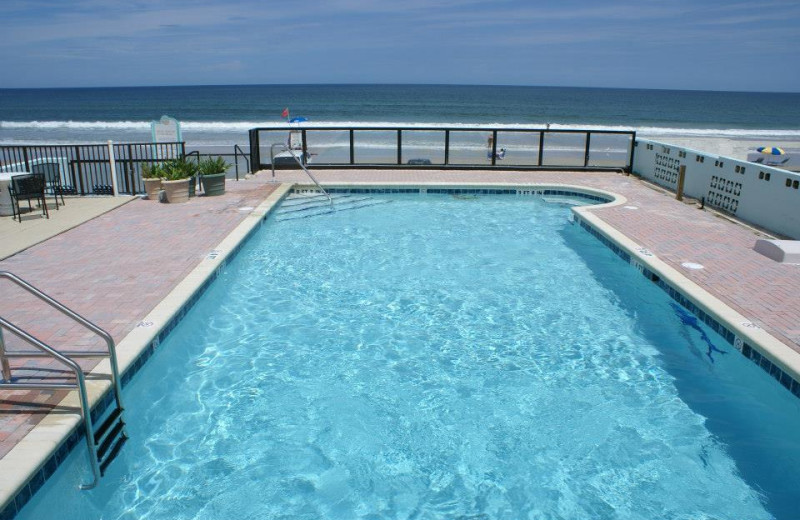 Outdoor pool at Daytona Shores Inn and Suites.