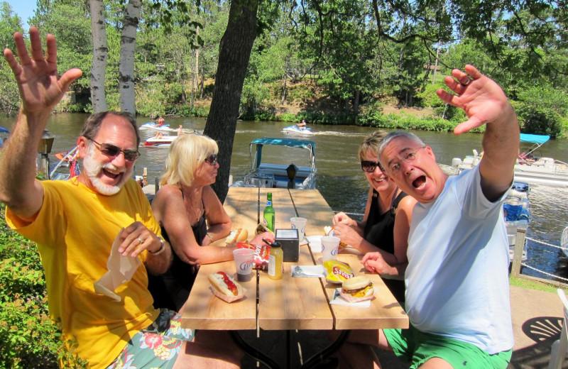 Family picnic at Chanticleer Inn.
