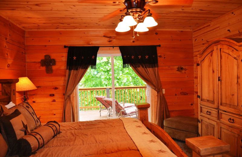 Rental bedroom at Amazing Branson Rentals.