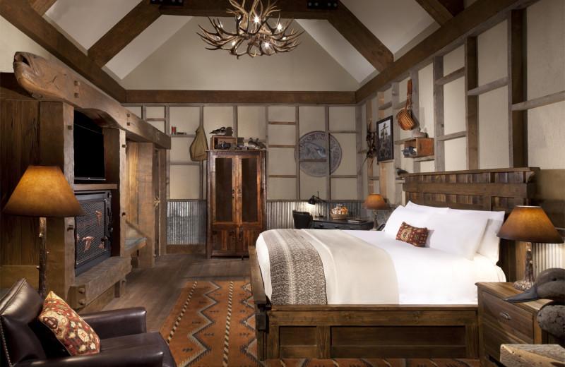 Guest bedroom at Big Cypress Lodge.