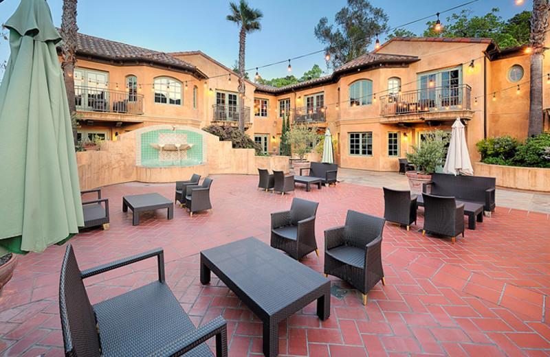Exterior View of Hotel Los Gatos