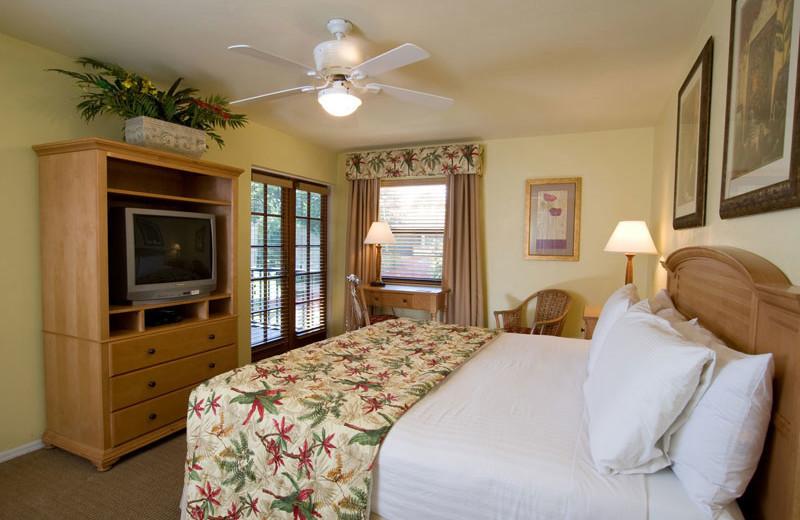 Guest Room at Park Shore Resort
