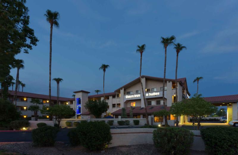 Exterior view of Days Inn & Suites Tempe.