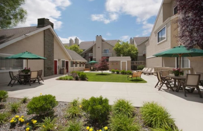 Exterior view of New Haven Village Suites.