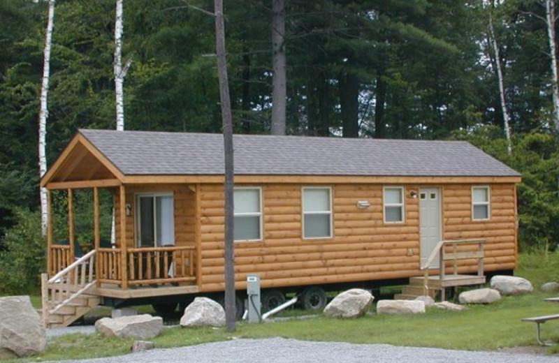 Cabin at Lake George Escape