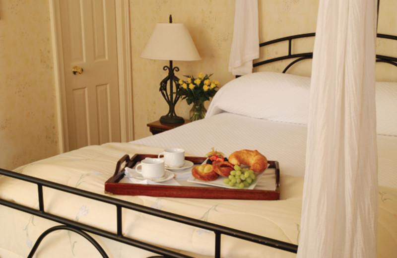 Breakfast in bed at Moffat Inn.