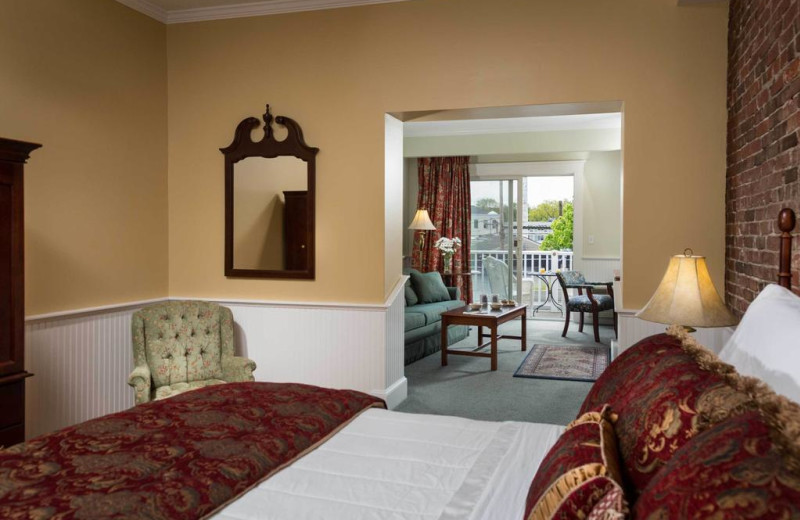 Guest room at Lord Camden Inn.