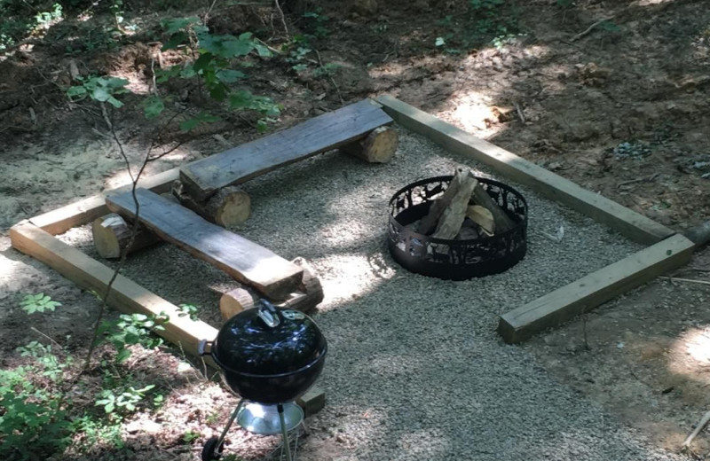Fire pit at Corban Cabin Getaways.