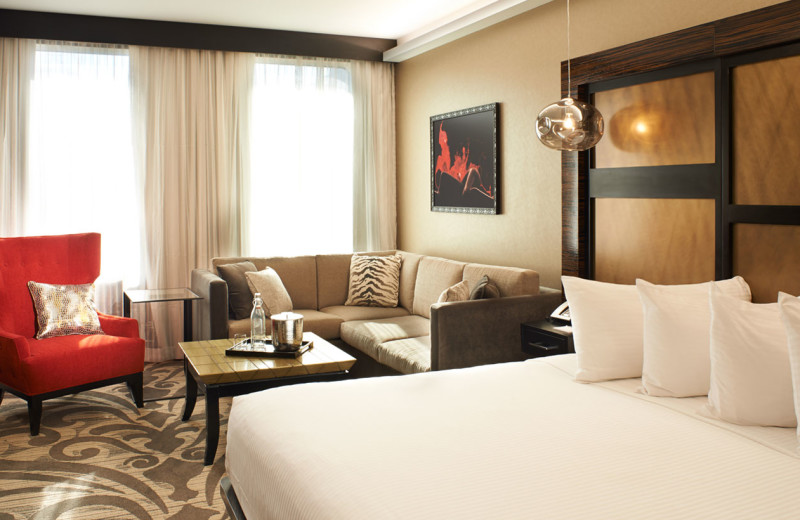 Guest Room at The Metropolitan at the 9