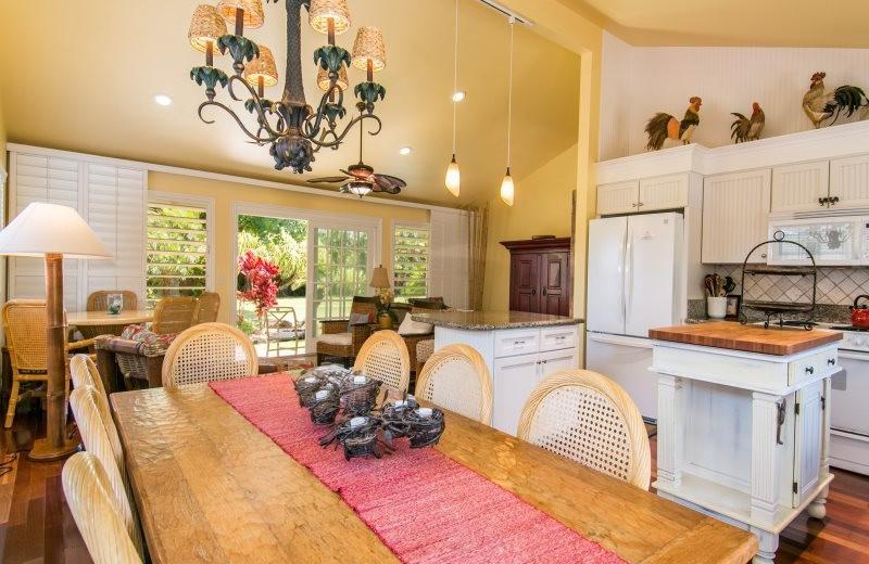 Vacation rental kitchen and dining at Great Vacation Retreats.