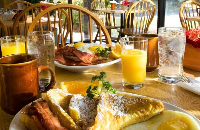 Breakfast Cafe at Best Western Garden Inn