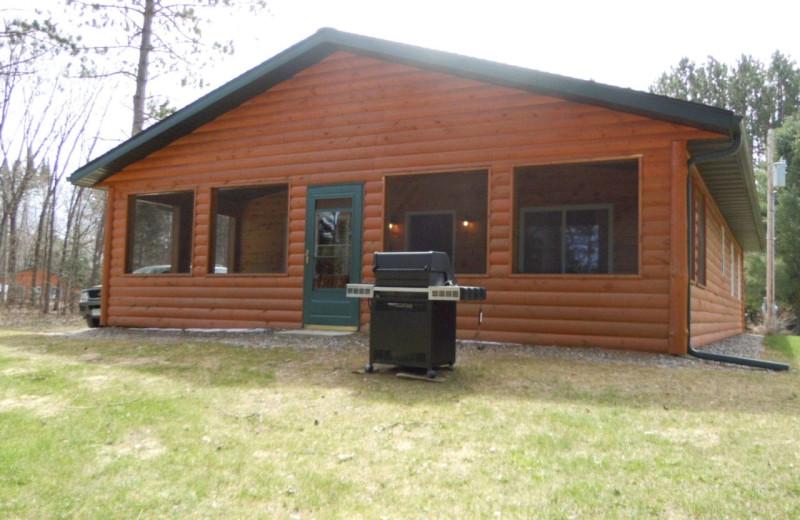 Cabin exterior at Lakewood Lodge.
