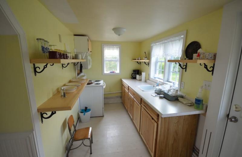 Cottage kitchen at Rossport Lodging & Retreat.