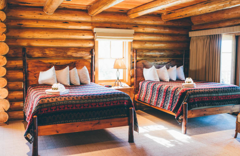 Guest bedroom at South Fork Lodge.