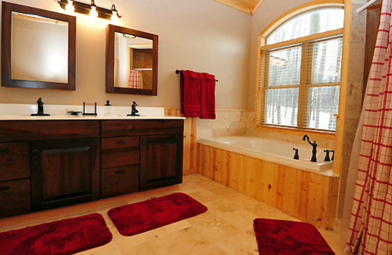 Vacation rental bathroom at Timberline Mountain-Access Properties.