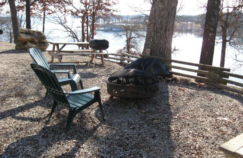 Outdoor fire pit at Artilla Cove Resort.