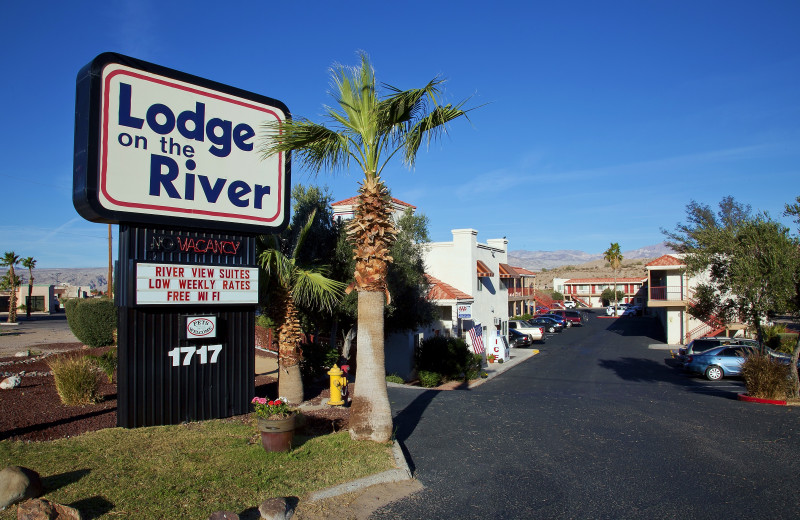 Exterior view of Lodge On The River.