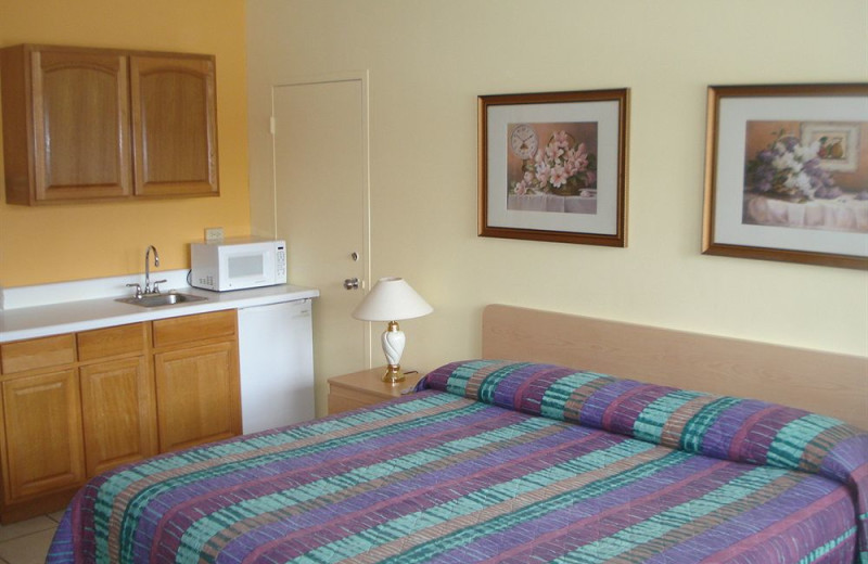 Guest room at Knights Inn Hallandale Beach.