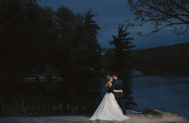Weddings at Arrow Park Lake and Lodge.