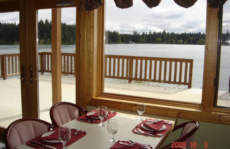 Dining at Tyee Lake Lodge.
