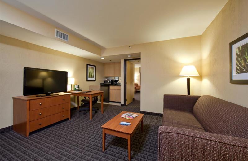 Guest room at Best Western Plus Scottsdale Thunderbird Suites.