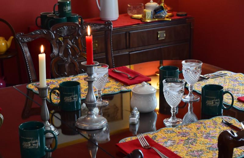 Dining at Inn at Monticello.
