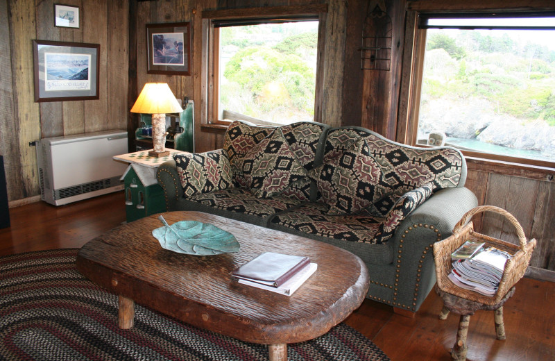 Guest living room at Alegria Inn.