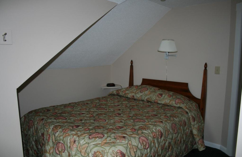 Guest bedroom at Windrifter Resort.