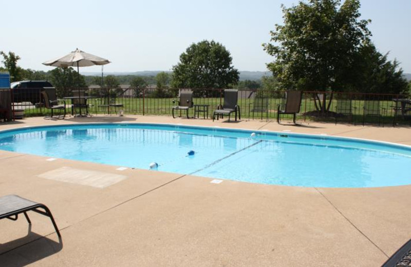 Outdoor pool at Outback Roadhouse Inn.