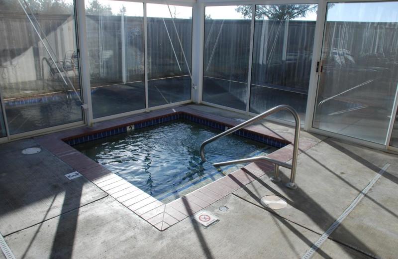Hot tub at Lighthouse Oceanfront Resort.