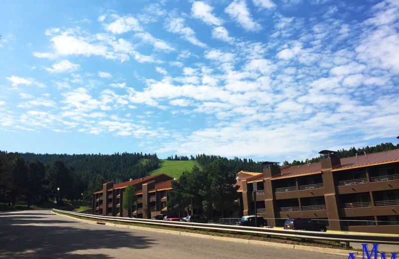 Exterior view of Cozy Mountain Condo (AMM Properties).