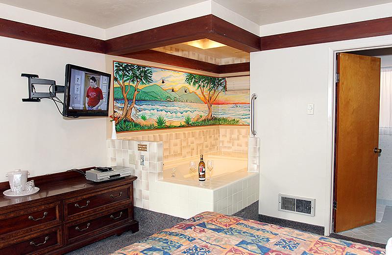 Private Hot Tub at Lone Oak Lodge