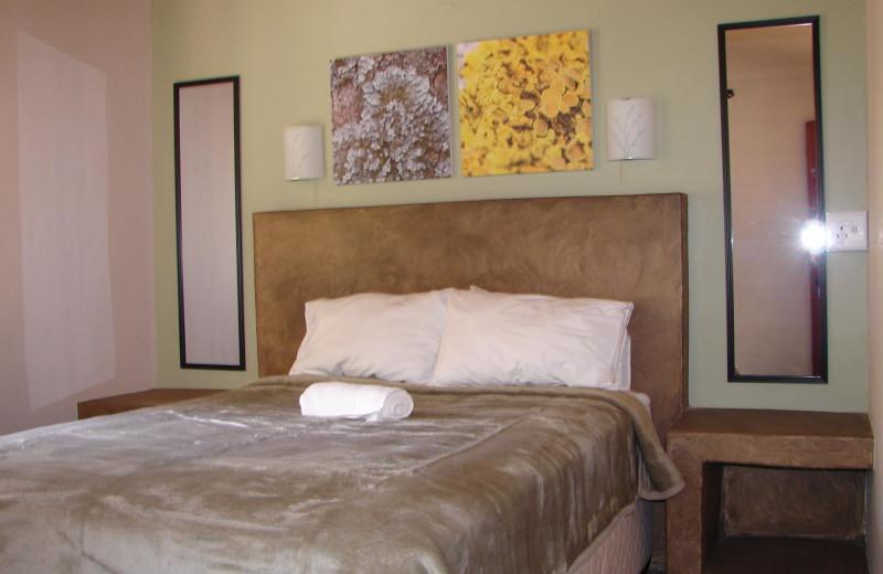 Guest room at Aan De Vliet.