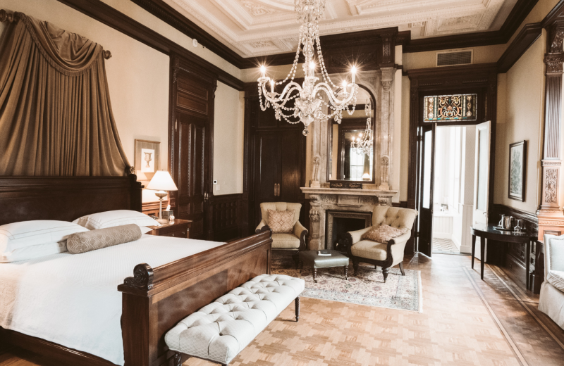 Guest room at Wentworth Mansion.